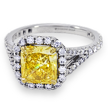 Split Shank Halo Radiant-Cut Engagement Ring: (/images/Items/1094.jpg)