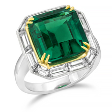 Custom Vintage styled Emerald and Baguette E-Ring: (/images/Items/1158.jpg)